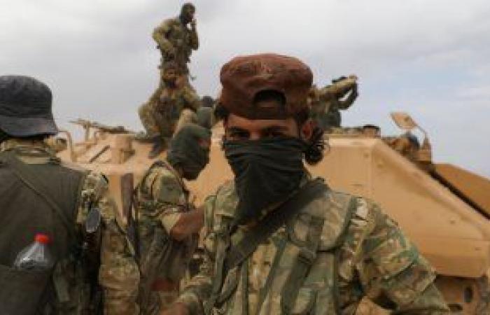 المرصد السورى: القوات التركية والفصائل الموالية تقصف طريق M4 الدولى بعين عيسى