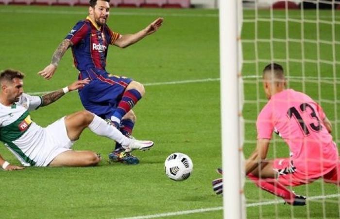 برشلونة يعلق على تسريب على عقد ميسي