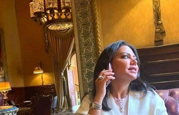 ظهور نادر.. رانيا يوسف تخطف الأنظار بإطلالة محتشمة.. شاهد