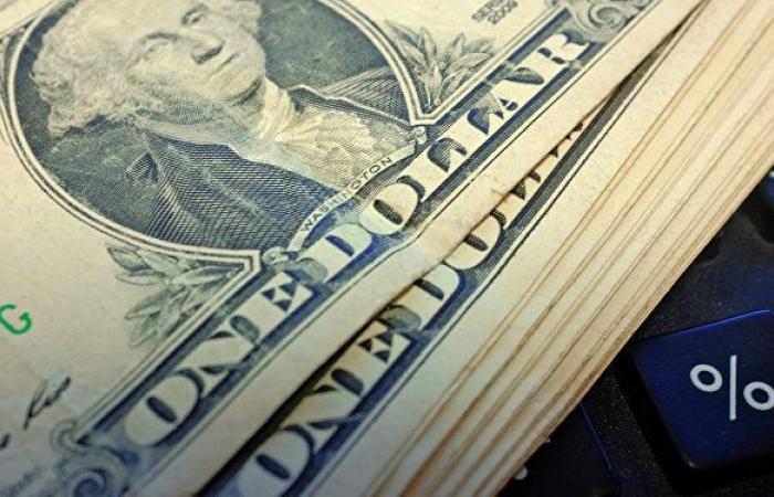 الدولار يهبط مع انحسار الطلب على الملاذ الآمن بفعل صعود أسهم آسيا