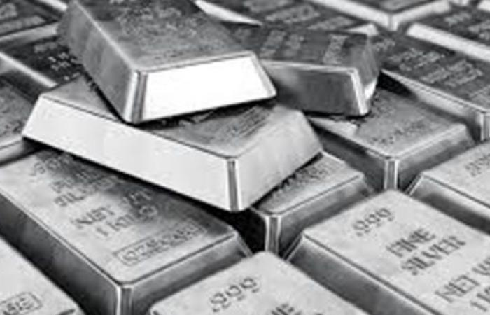 """عاجل .. الفضة تخطف بريق""""الذهب"""" وتحقق ارتفاعات غير مسبوقة"""