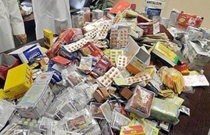 ضبط 15.6 ألف عبوة أدوية مهربة جمركيًا داخل صيدلية في المنيا
