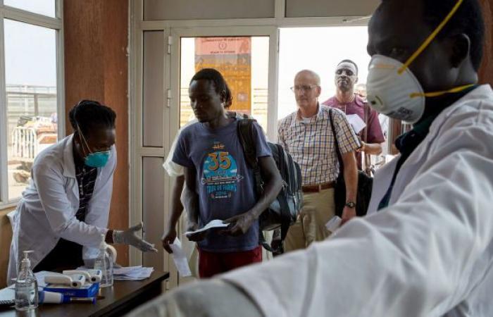 مسؤول سوداني يعود إلى البلاد بعد علاجه من كورونا في الإمارات