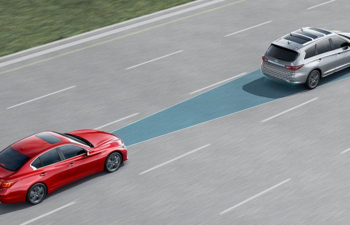 تحديد مسافة الأمان عن السيارة الأمامية.. متخصصون يقدمون نصائح مهمة