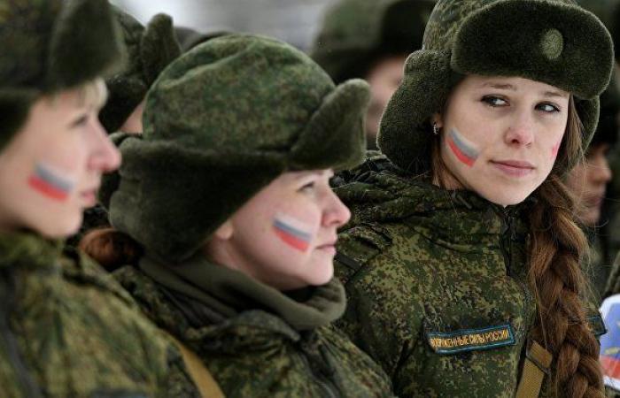 طالبات روسيات ينجحن بأول رحلة قيادة جوية ليلية (فيديو)