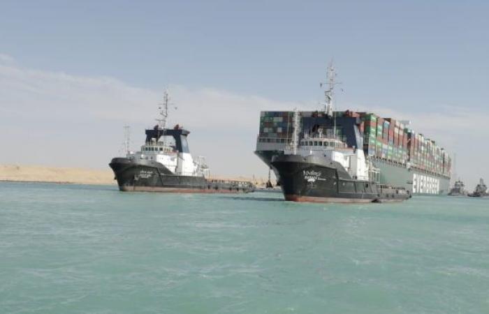 أزمة قناة السويس تحيي جهودا دولية لإيجاد ممر مائي بديل لعبور السفن التجارية