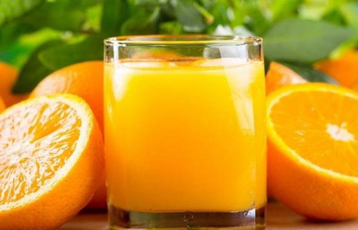 دراسة: عصير البرتقال يزيد من خطر الإصابة بسرطان الجلد