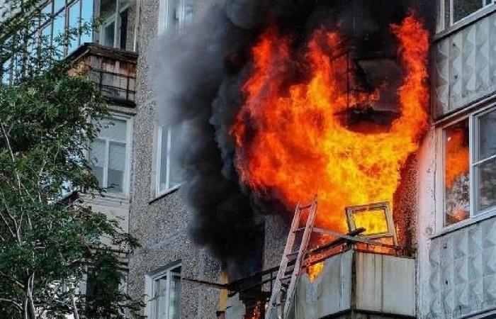مقتل 8 أشخاص بينهم طفلان في حريق مبنى سكني بروسيا