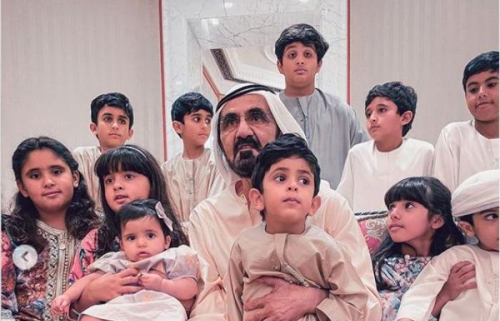 الشيخ محمد بن راشد حاكم دبى فى صورتين جديدتين مع أطفال عائلته