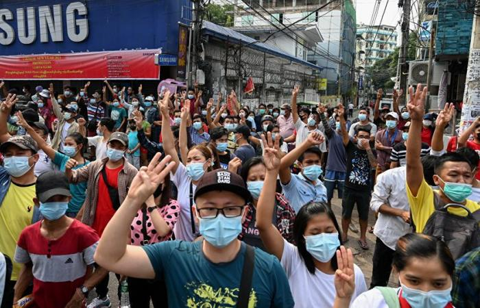 في عيد العمال.. متظاهرو ميانمار: لا يمكن للمجلس العسكري أن يحكمنا