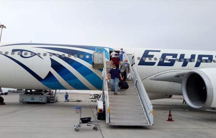 مصر للطيران تسير 49 رحلة جوية لنقل 3118 راكبا بالمطارات.. غدا