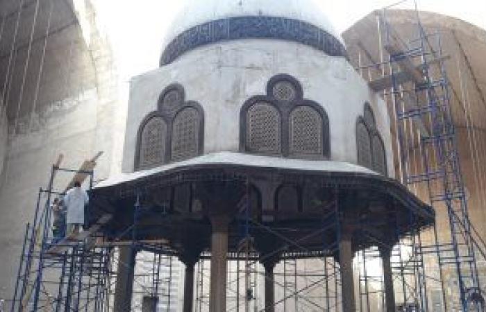 رئيس الآثار الإسلامية: إنهاء أعمال ترميم الرفرف الخشبى بالسلطان حسن غدا