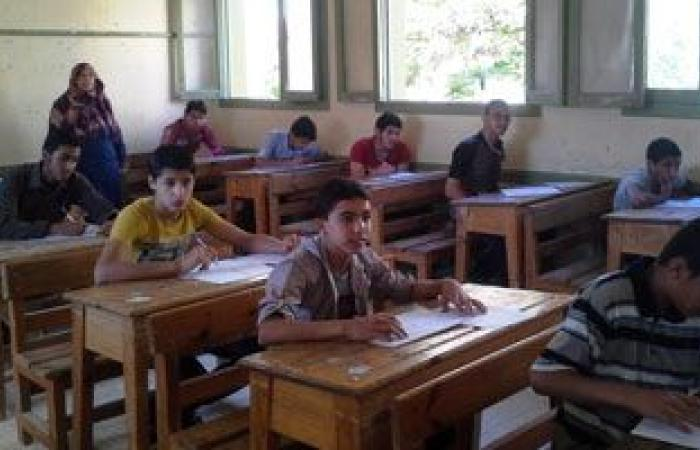 طلاب الشهادة الإعدادية بالقاهرة يبدأون اليوم امتحانات نهاية العام