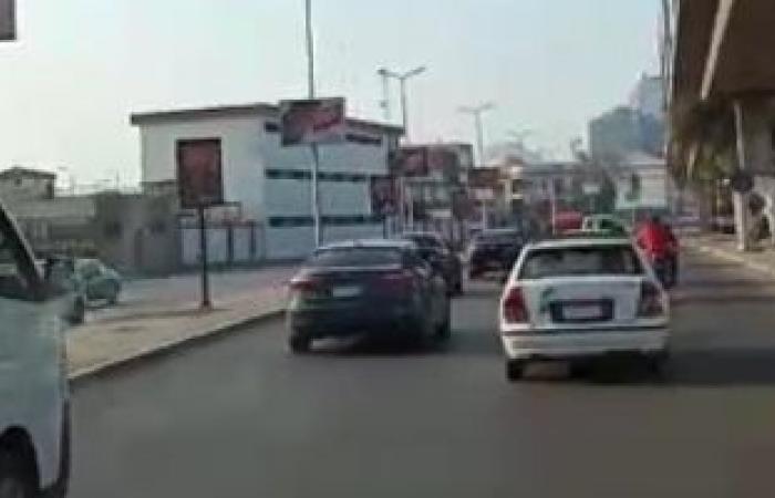 النشرة المرورية.. كثافات متحركة بمحاور وكبارى القاهرة والجيزة