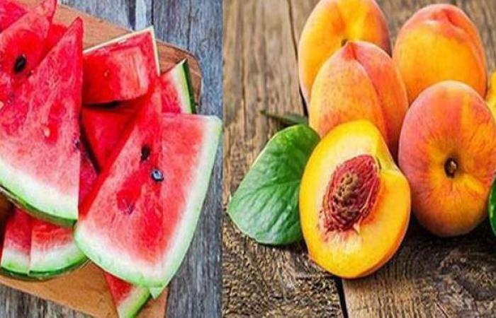 صحتك بالدنيا.. نصائح مهمة عند شراء البطيخ والخوخ | فيديو