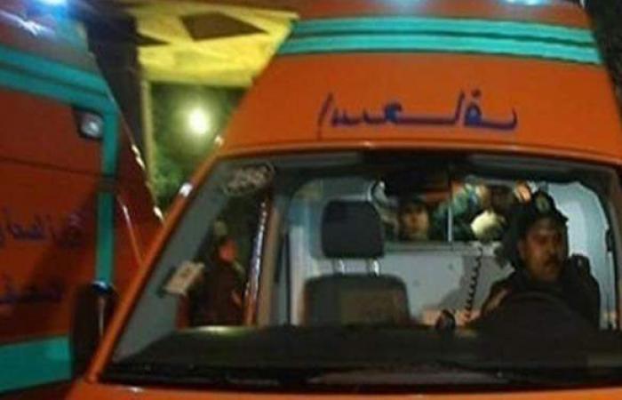 مصرع شخص وإصابة 14 عاملا في انقلاب سيارة بالشرقية