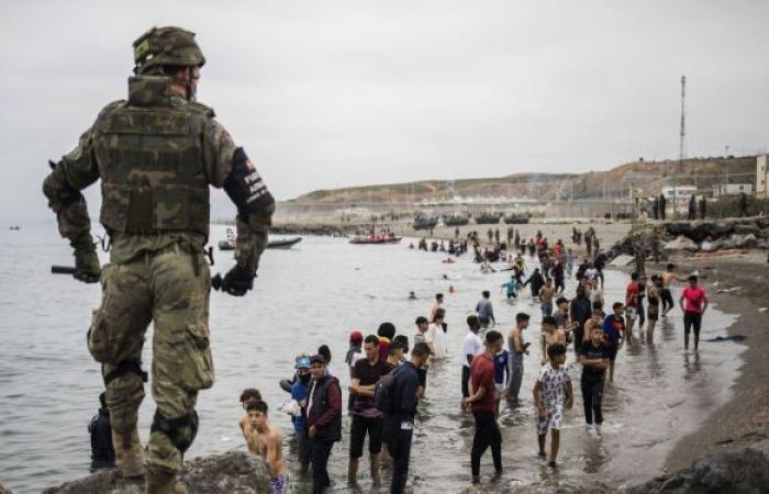 صحيفة: خلاف دبلوماسي بين إسبانيا ودولة عربية قد يؤدي لأزمة مهاجرين جديدة