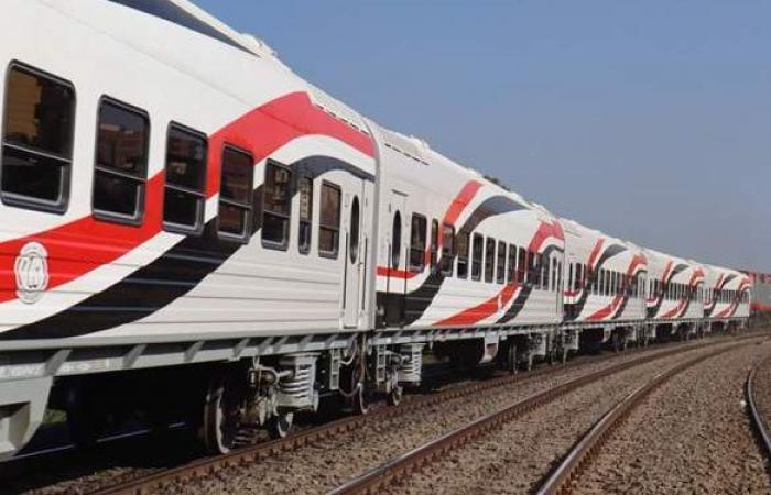 ارتفاع بسيط فى أعداد ركاب القطارات اليوم