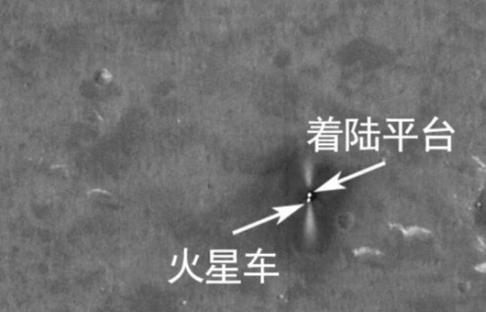 شاهد مستكشف الصين يتنقل على سطح المريخ ويستكشف الكوكب.. صور