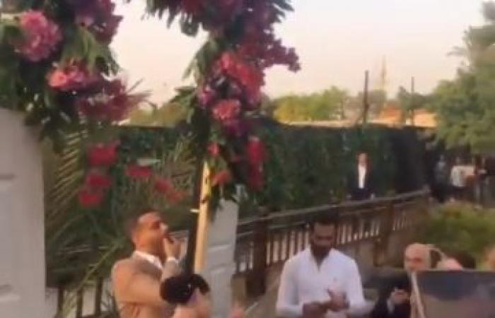 زفة محمد فراج وبسنت شوقي على طريقة عبد الحليم وشادية .. صور