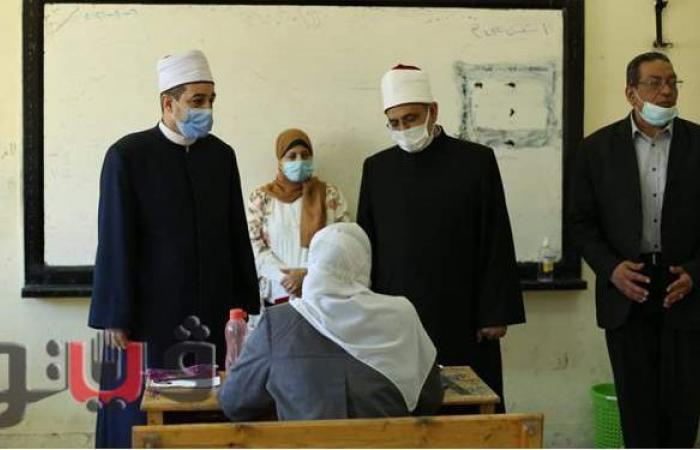 رئيس قطاع المعاهد الأزهرية يتفقد لجان امتحانات الشهادة الثانوية | صور