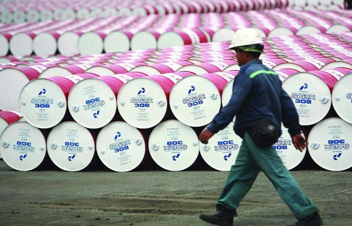 ارتفاع أسعار النفط قبل اجتماع «أوبك+» و«برنت» فوق 75 دولارًا