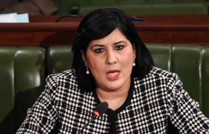 الاعتداء باللكمات على عبير موسى في برلمان تونس