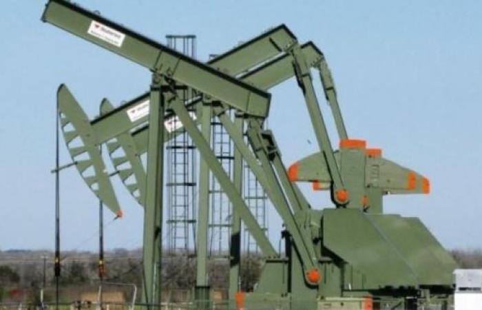 تراجع طفيف في أسعار النفط ومزيج برنت فوق 75 دولارًا للبرميل