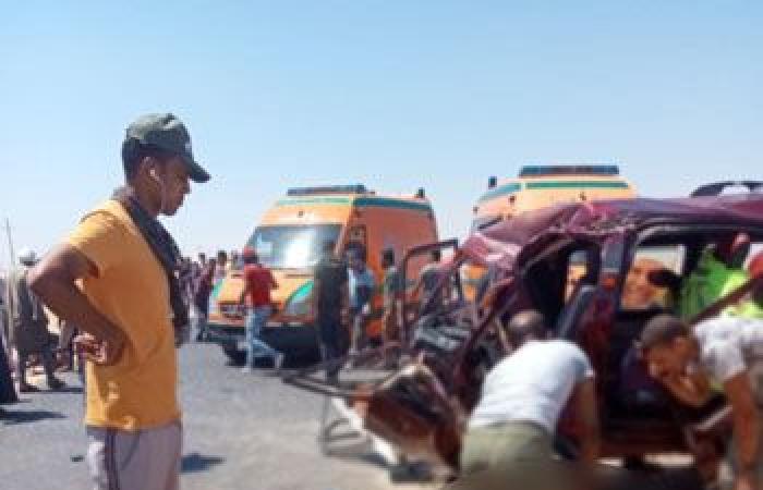 مصرع شخص وإصابة 26 فى حادث تصادم 4 سيارات بطريق الإسماعيلية السويس.. صور