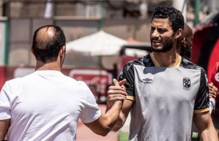 """بعد خطأ مباراة بيراميدز.. سيد عبد الحفيظ """"كف بكف"""" مع الشناوى.. صور"""