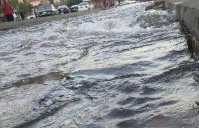 كثافات مرورية بسبب كسر ماسورة مياه في مصر الجديدة