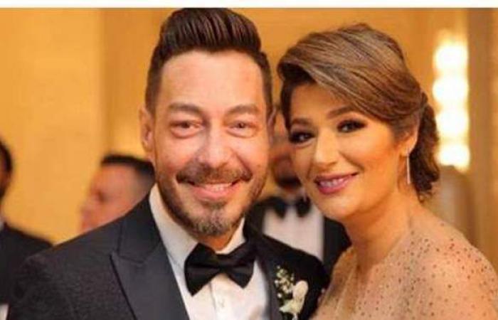 أحمد زاهر يحتفل بعيد ميلاد زوجته ويوجه لها رسالة رومانسية