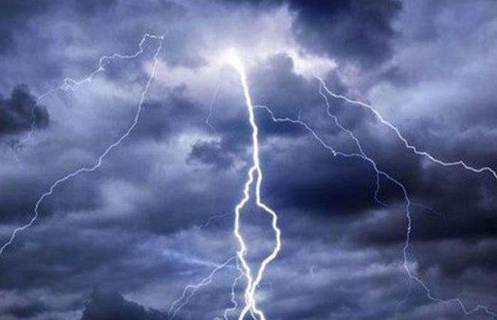 طقس الخميس.. هطول أمطار رعدية وزخات برد على مناطق عدة