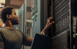 ما هي مراكز البيانات Data Centers وكيف تعمل؟