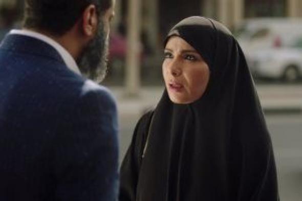 """منى زكى تظهر بالحجاب فى فيلم """"القاهرة مكة"""" بعد """"لعبة نيوتن"""""""