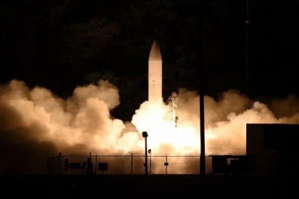البرنامج الأمريكي لتطوير أسلحة أسرع من الصوت يتعرض لانتكاسة بعد فشل صاروخ في الانطلاق