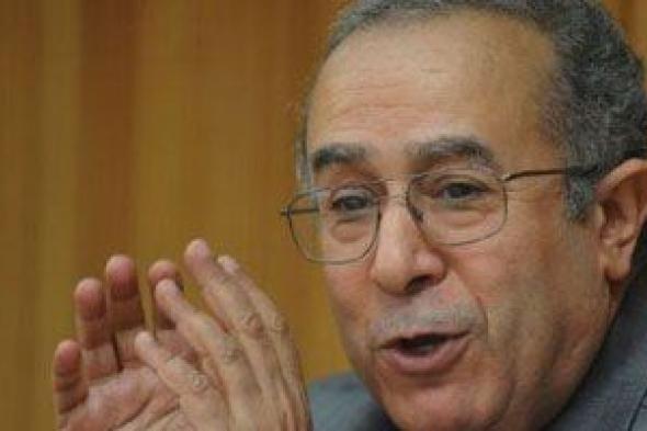 الجزائر تشدد على ضرورة نبذ الفرقة بين الليبيين مع اقتراب موعد الانتخابات